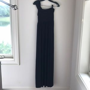 Isabella Oliver maternity one shoulder gown maxi 2